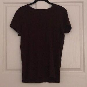 maroon tee shirt